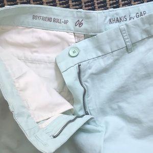 Gap 6. Boyfriend rollup shorts